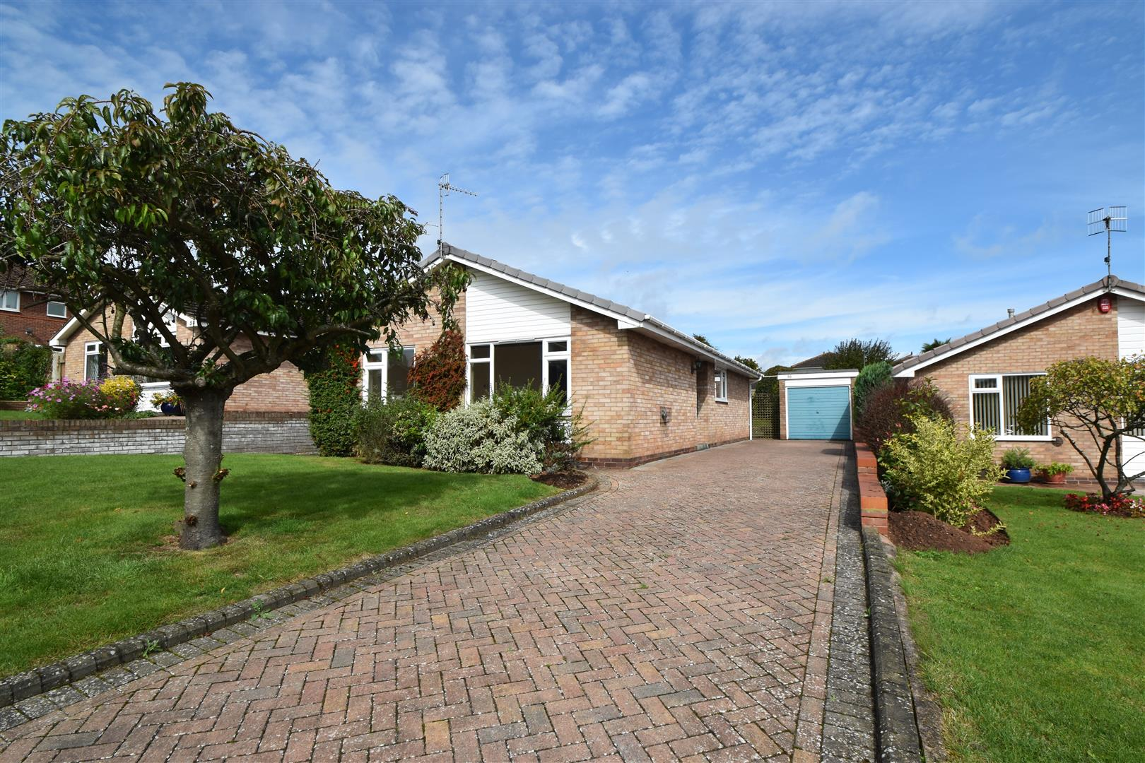 3 Bedrooms Detached Bungalow for sale in Shire Way, Droitwich